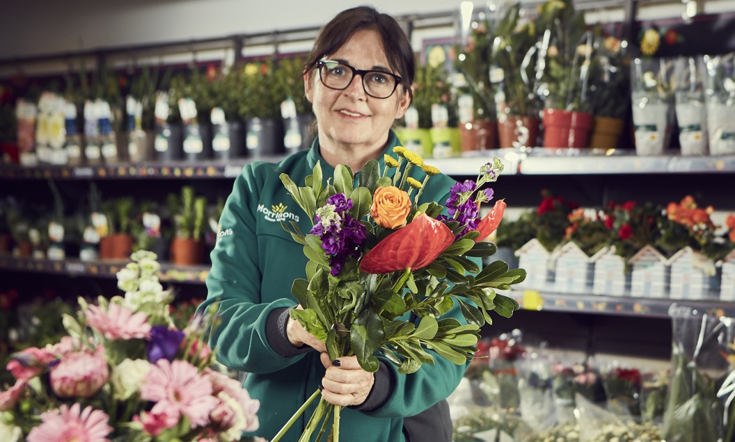 Floristry colleague in store